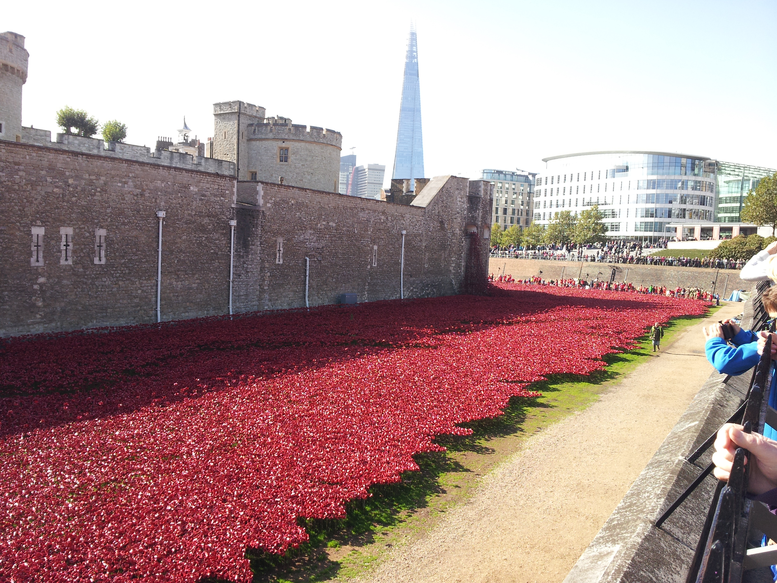 The Tower Of London And A River Of Blood Graphomaniac - Tower of london river of poppies