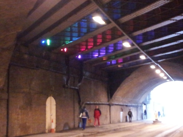 When you walk back from the museum under the bridge on Bermondsey Street, this is what you see. Pretty neat, huh?